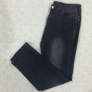 Kardashian Kollection The Kim jeans sz 12